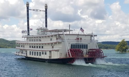 Leaving the Dock with Showboat Branson Belle Lunch and Dinner Cruises