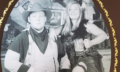 Couple Get an Old Time Photo at Silver Dollar City