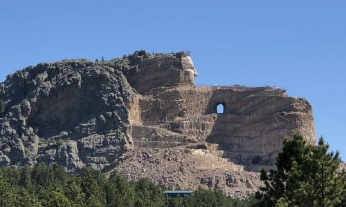 Side View of Mt Rushmore with the Mount Rushmore and Black Hills Tour