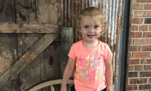Young Girl at Dolly Parton's Stampede Dinner and Show Branson