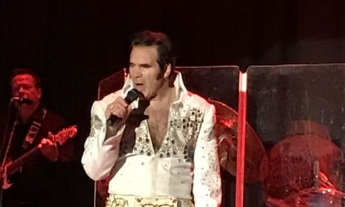 Elvis Singing at Tribute to the King: Thru the Years 53-77