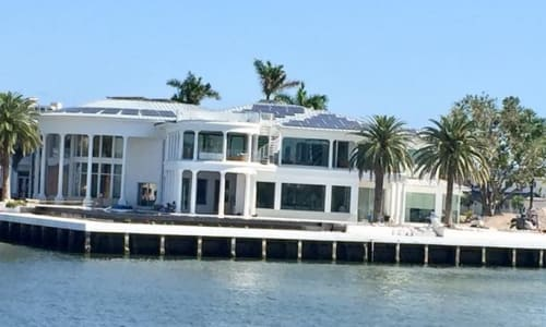 Amazing Homes on the Venice of America Sightseeing Tour