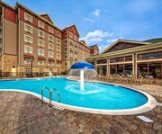 Outdoor Swimming Pool of Black Fox Lodge Pigeon Forge, Tapestry Collection by Hilton