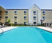 Outdoor Swimming Pool of Candlewood Suites Savannah Airport