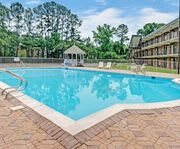 Outdoor Swimming Pool of Travelodge Inn & Suites by Wyndham Historic Area