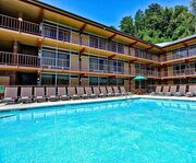Outdoor Swimming Pool of Wild Bear Inn by Westgate Resorts