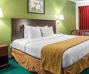 Quality Inn Pleasantville Room Photos