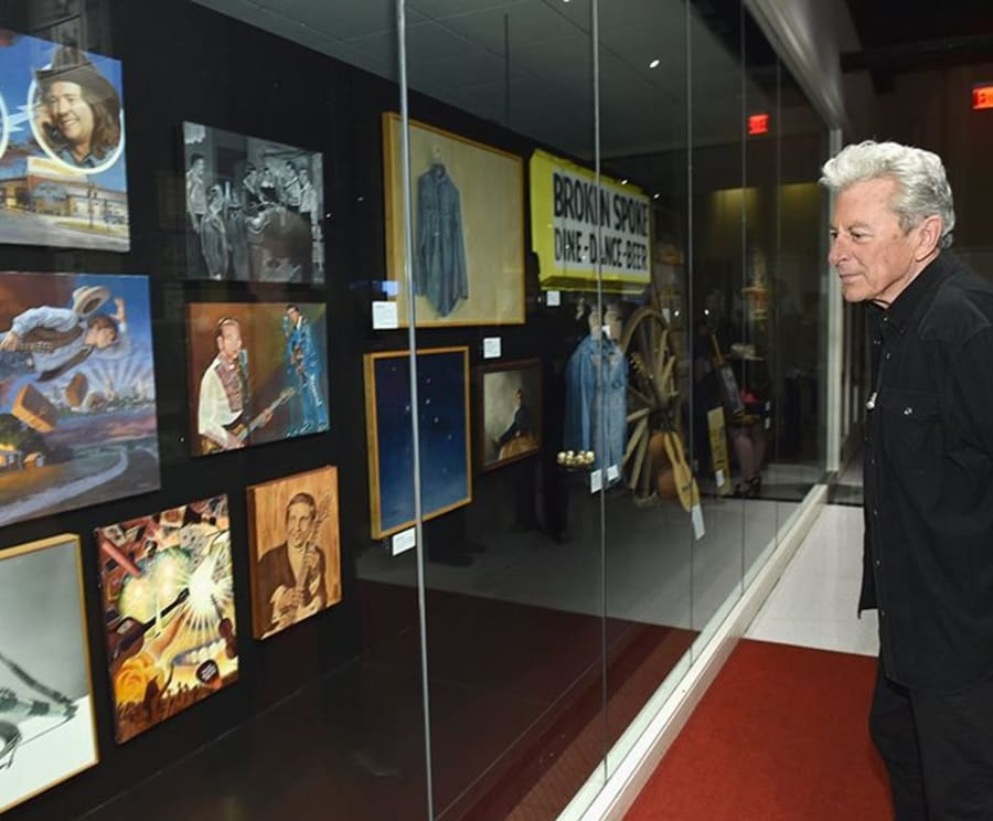 Exploring the Country Music Hall of Fame and Museum