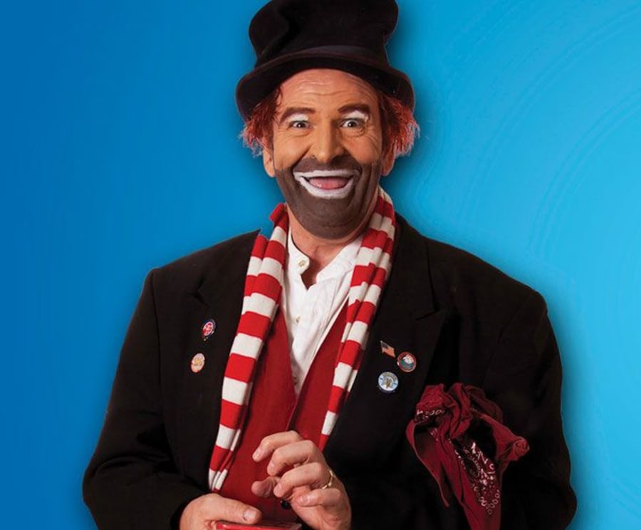 See Brian Hoffman's Remembering Red - A Tribute to Red Skelton