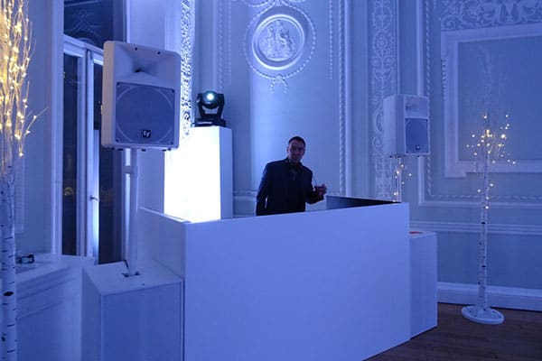 white pa lighting dj hire quintessentially events