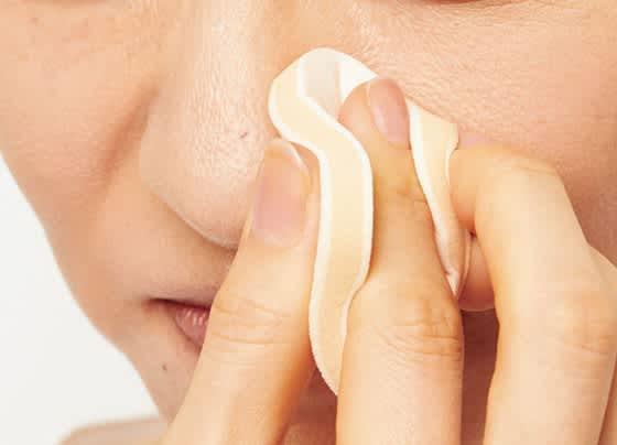 鼻の毛穴は円を描くようにカバー