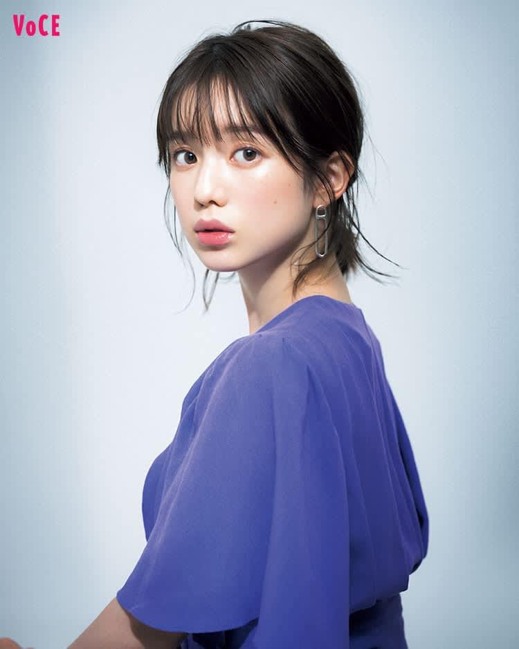 VOCE2020年2月号 弘中綾香