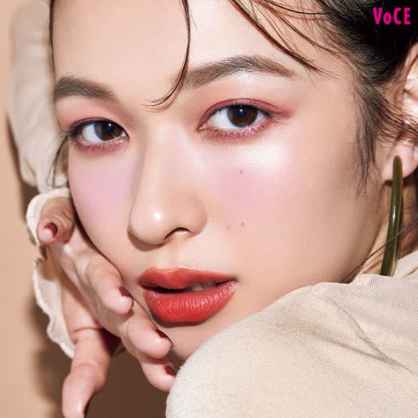 VOCE2021年1月号 森絵梨佳
