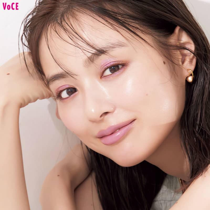 【内田理央】ピンク一色で決まる、夏デートメイク!【KATE、アナスイほか】
