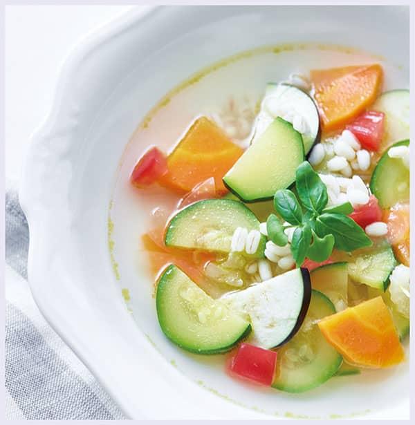 野菜と大麦のブイヨンスープ