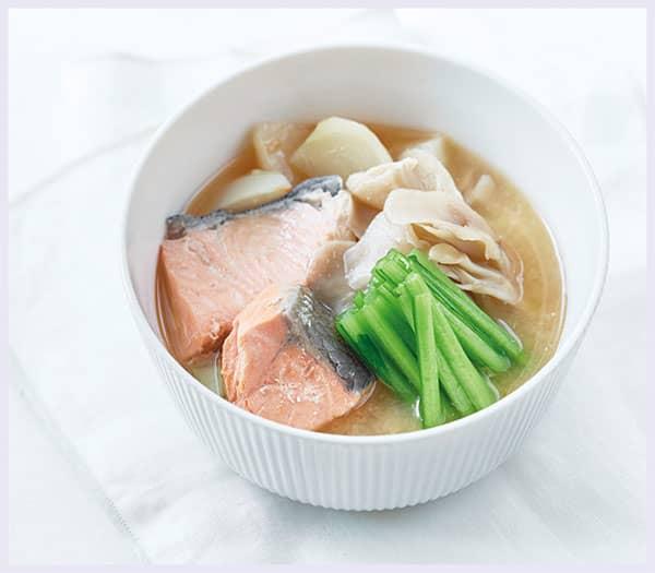 鮭の甘酒みそスープ