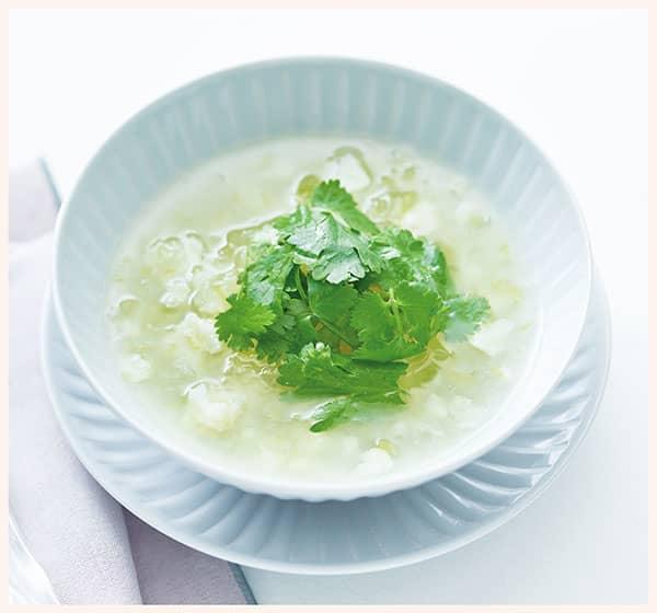 冬瓜とカリフラワーのタイ風スープ