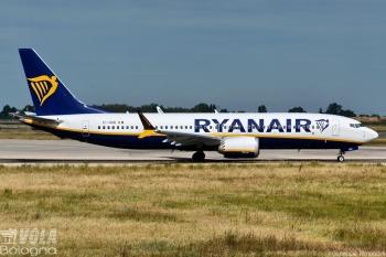 Boeing 737-8 MAX Ryanair by Giuseppe Rimondini