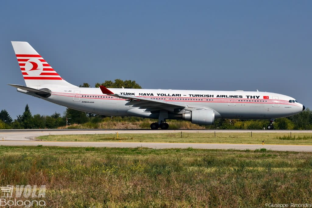 Turkish Airlines Airbus A330-203