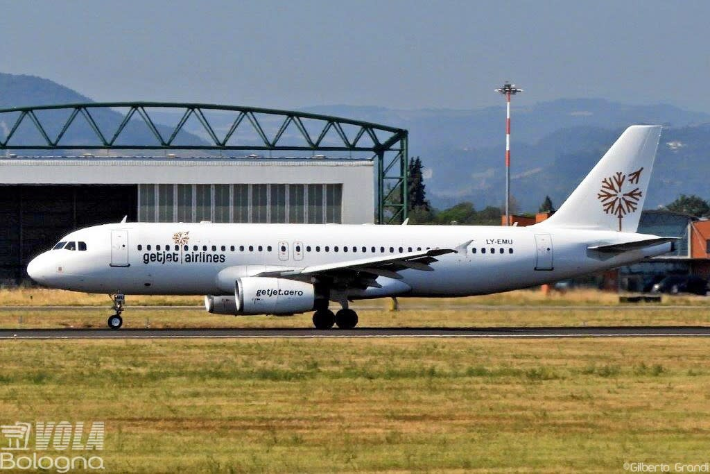 GetJet Airlines Airbus A320-200
