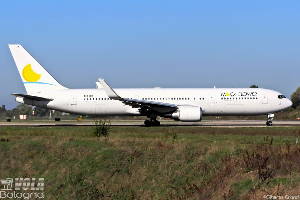 Moonflower (Neos)  Boeing 767-306 (ER)