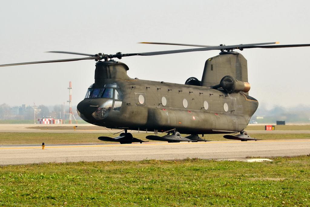 Esercito Italiano Boeing CH-47C Chinook