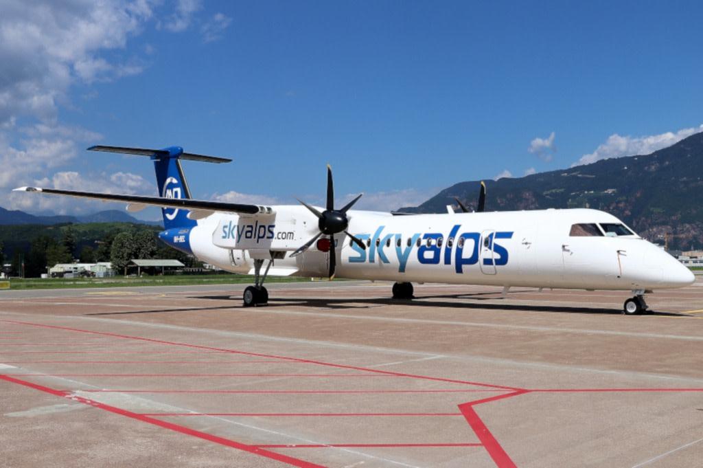 SkyAlps Bombardier Dash 8-Q402