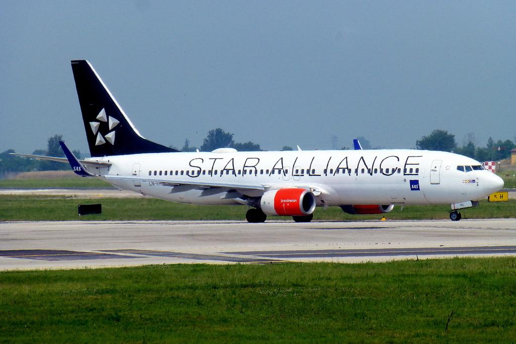 Sas - Scandinavian Airlines Boeing 737-883(WL)