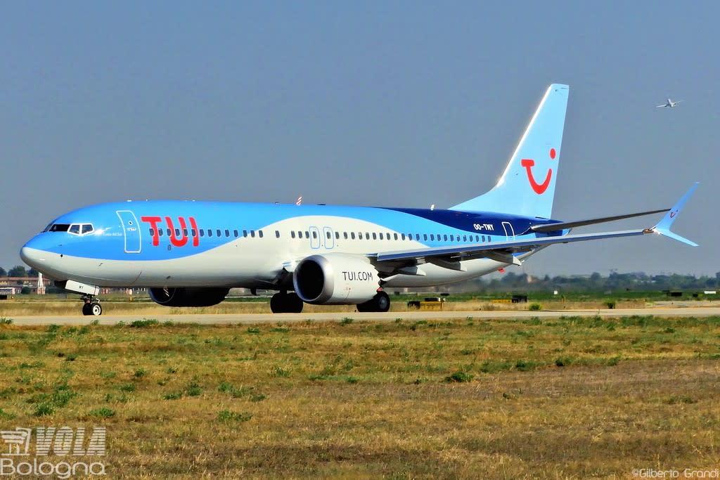TUI Airlines Belgium  Boeing 737-8 MAX