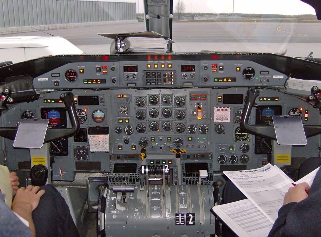 Austrian Arrows Bombardier Dash 8-300