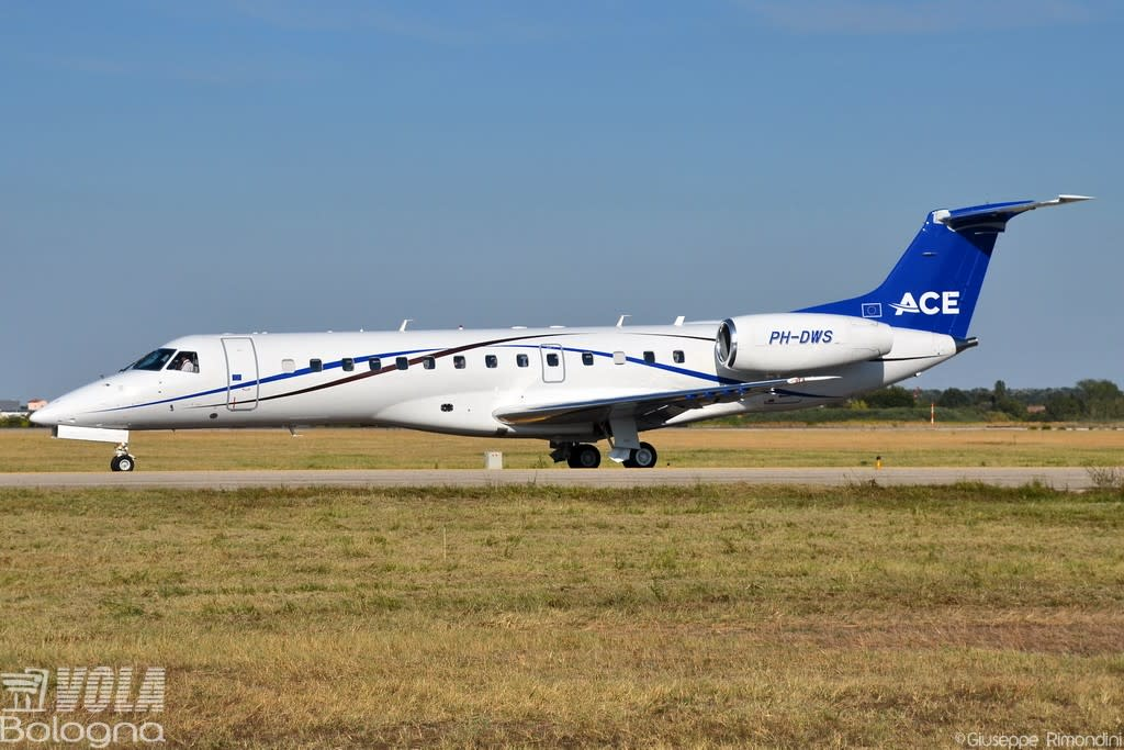 JetNetherlands Embraer ERJ-135LR