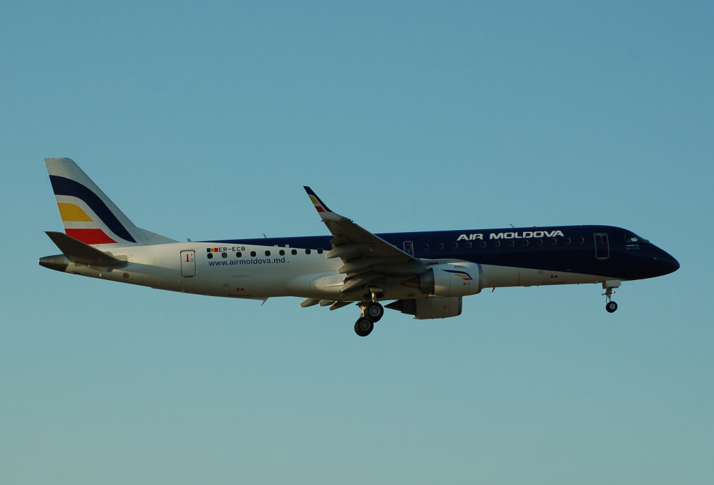 Air Moldova Embraer 190-100LR