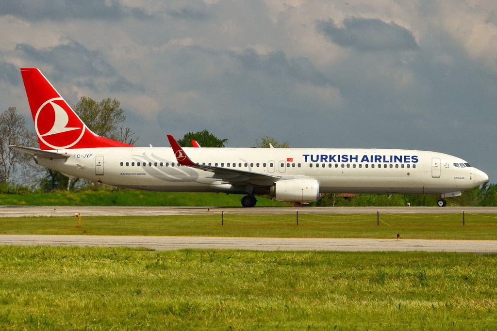 Turkish Airlines Boeing 737-9F2(ER)