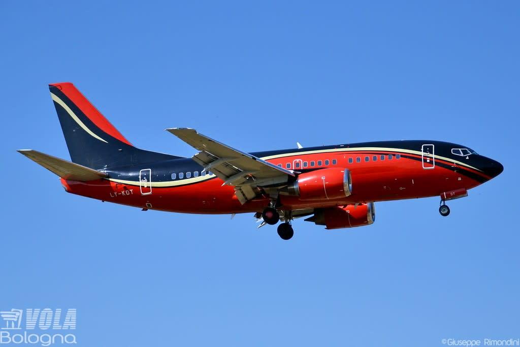 KlasJet Boeing 737-500