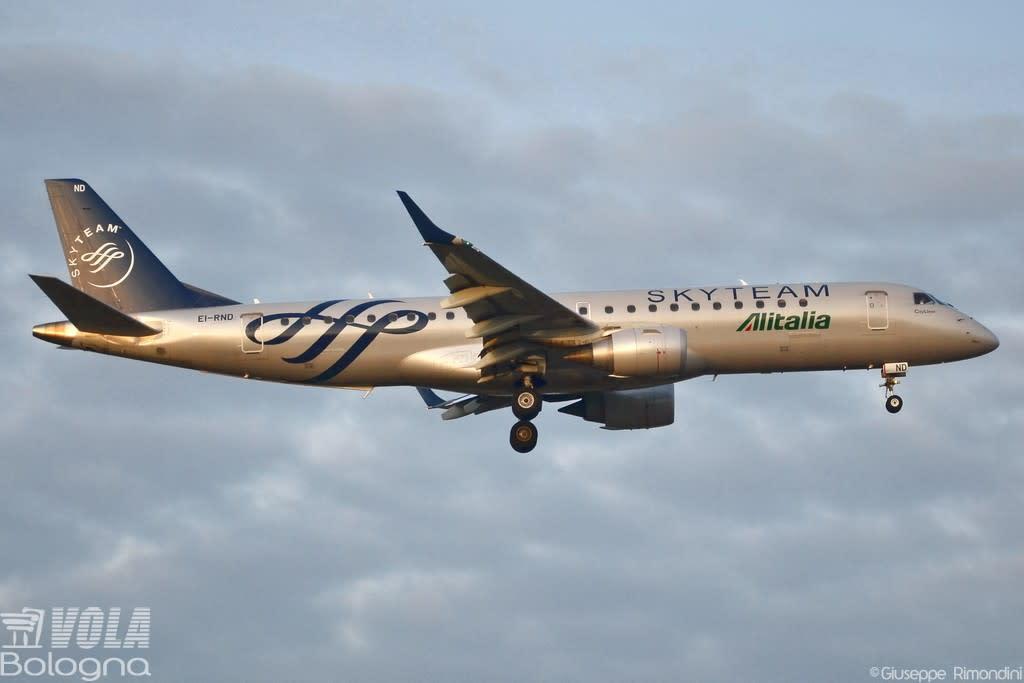Alitalia CityLiner Embraer 190-100LR