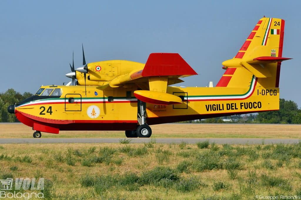 Protezione Civile Canadair CL-415