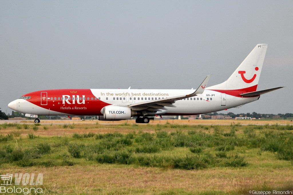 TUI Airlines Belgium  Boeing 737-8K5