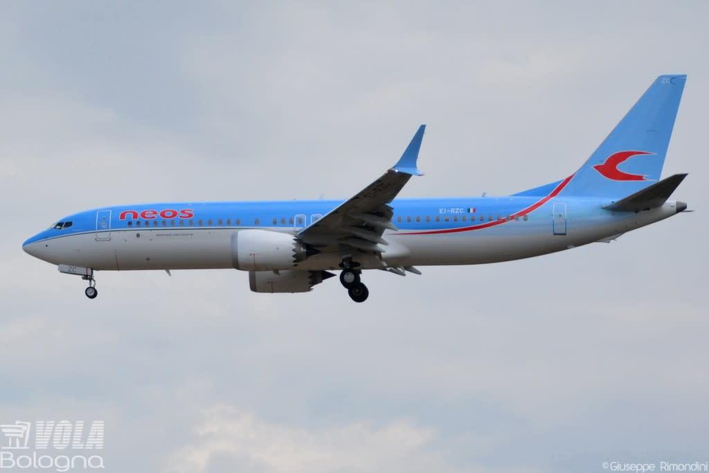 Neos Boeing 737-8 MAX