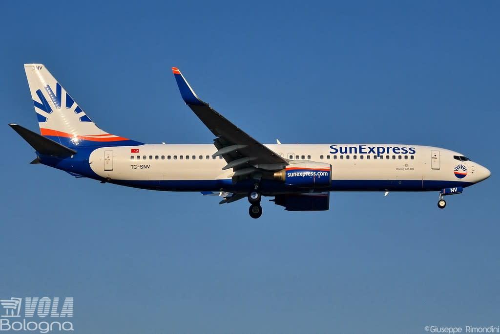 Sun Express Boeing 737-86J