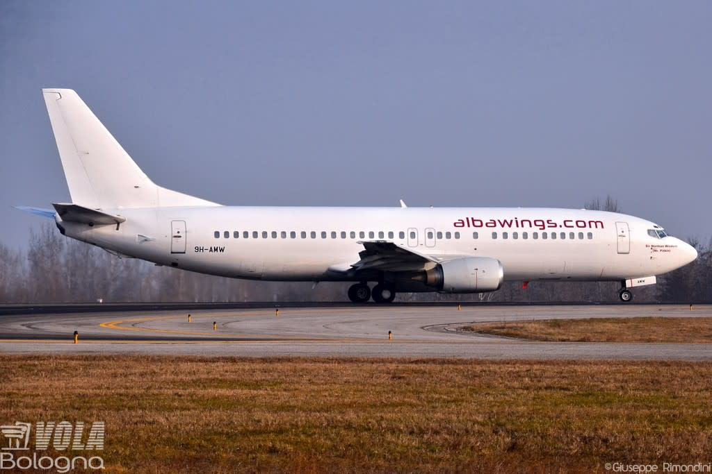 albawings (VVB Aviation Malta) Boeing 737-4Q8