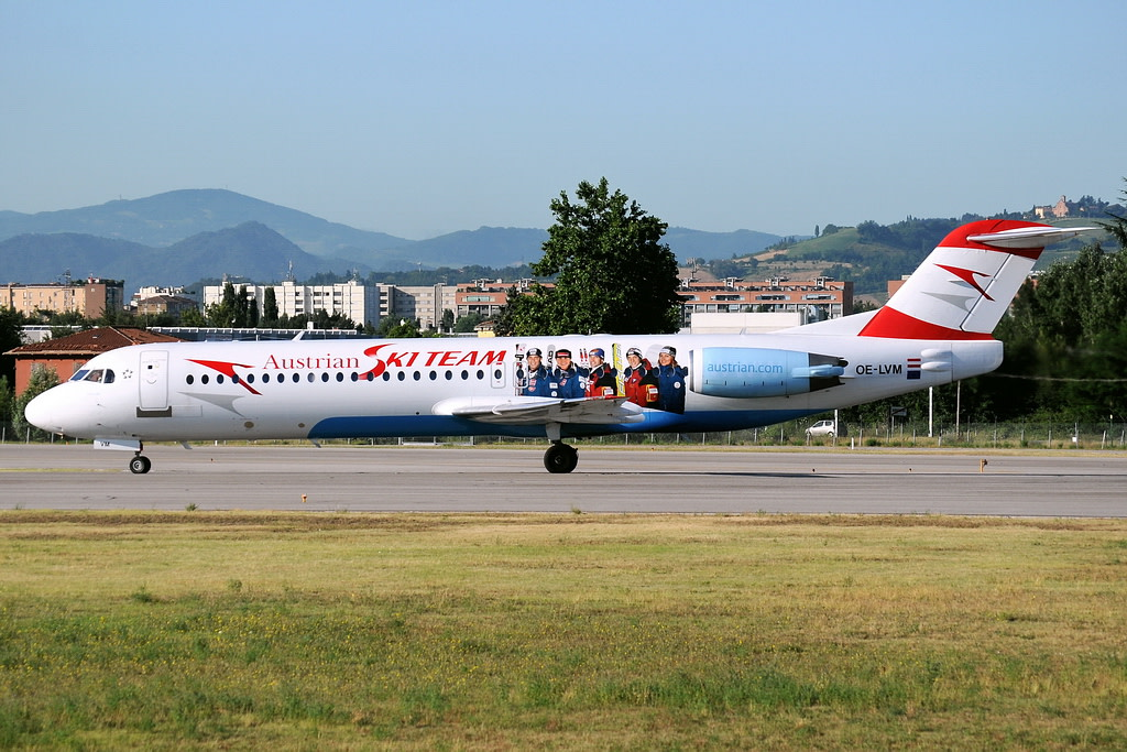 Austrian Arrows Fokker 100