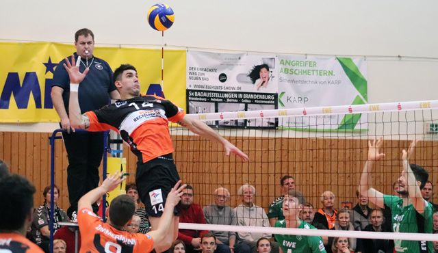 Souverän in Bestensee - Foto: BR Volleys