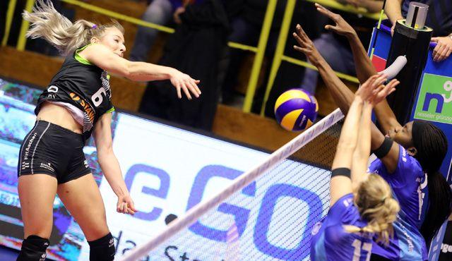 Ladies in Black Aachen verlieren auch in der Liga gegen favorisierte Stuttgarterinnen - Foto: Ladies in Black Aachen // Andreas Steindl