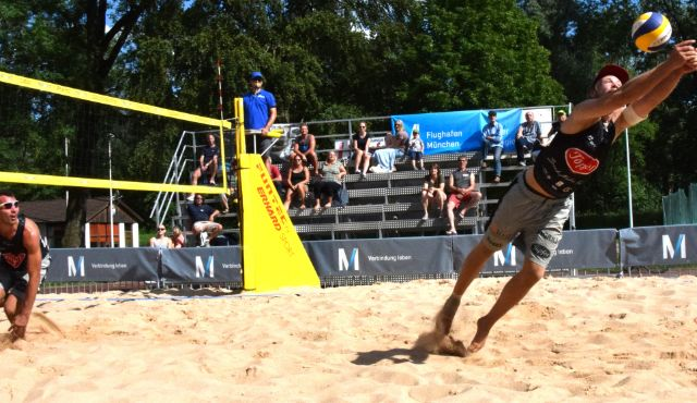 Beachvolleyball-Spektakel in der Freisinger Luitpoldanlage - Foto: Jankovic