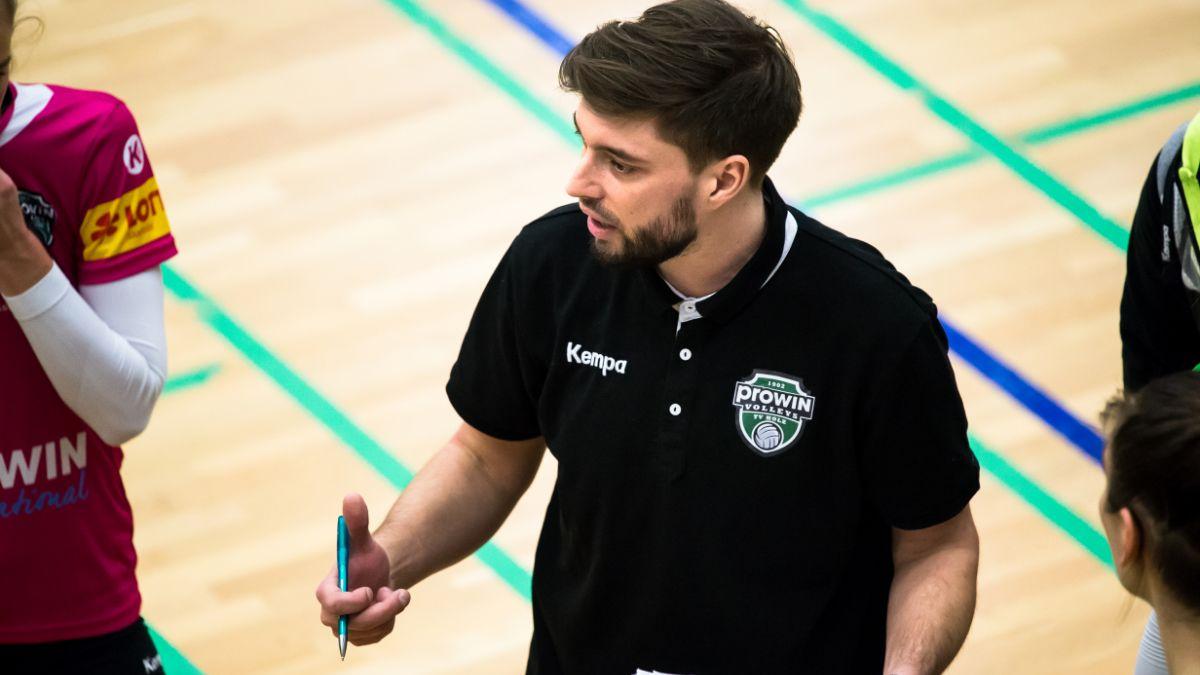 proWIN Volleys TV Holz verlängern mit Headcoach Frederik Scheller - Foto: Georg Kunz