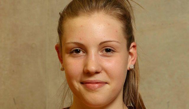 Junges Talent Celine van Gestel schlägt für Stuttgart auf - Foto: CEV