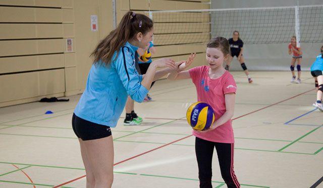 Großer Tag für Wiesbaden Volleyball-Talente: Gemeinsames Training mit den VCW-Bundesliga-Profis - Foto: Micha Spannaus/VCW