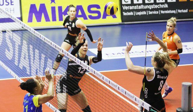 Die Ladies geben bei 0:3 alles aber finden in Schwerin ihren Meister - Foto: Ladies in Black Aachen