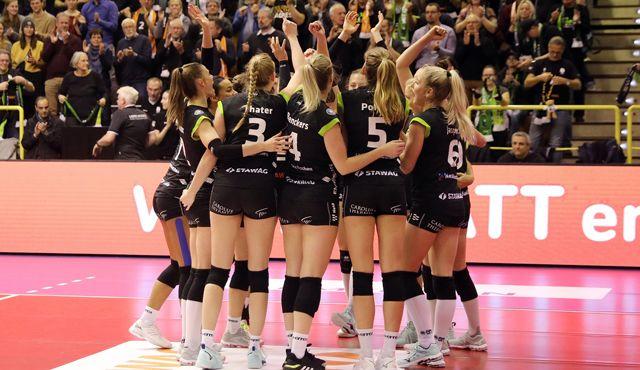 Aachen gegen Vilsbiburg zum Schluss - Foto: Ladies in Black Aachen\\ ASt.
