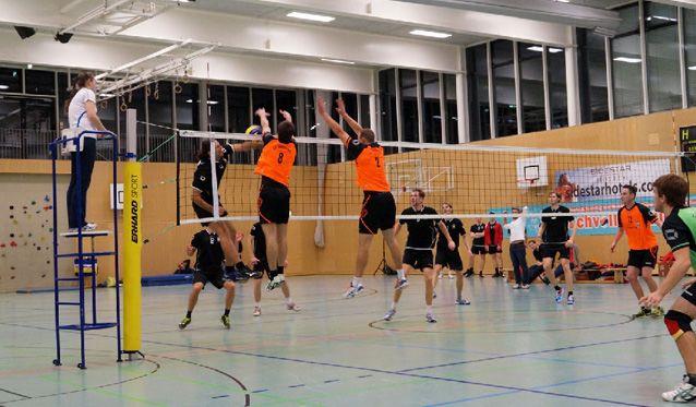 Freisinger Volleyballer feiern Pflichtsieg in Mühldorf - Foto: SC Freising